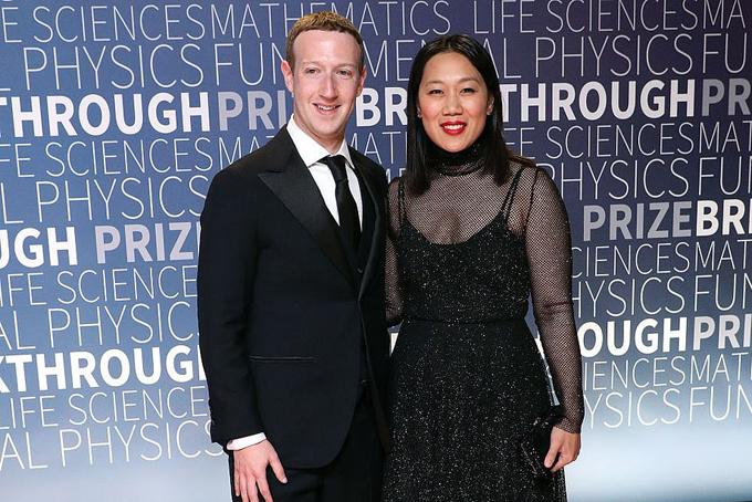TheoWall Street JournalMark Zuckerberg đã bí mật mua hai bất động sản cạnh nhau tại hồ Tahoe - địa điểmdu lịch nổi tiếng của vịnh San Francisco, Mỹ.
