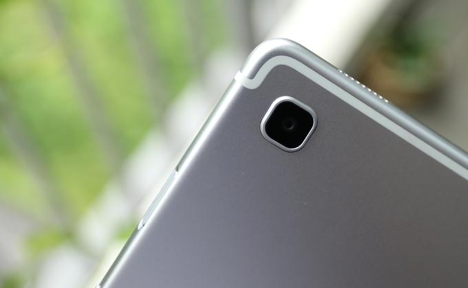 Galaxy Tab S5e có camera 13 megapixel và camera trước 8 megapixel.