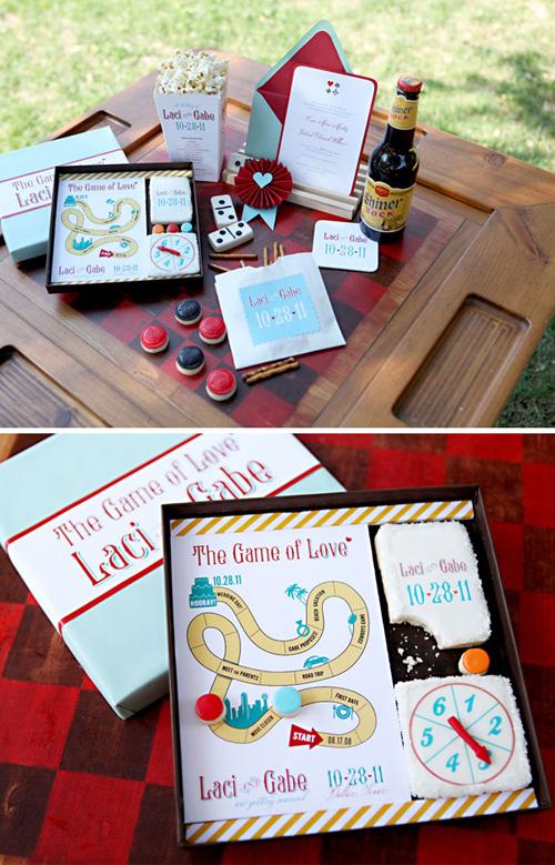 11. Thiệp cưới là một bộ trò chơiBộ thiệp bao gồm nhiều món đồ và giúp khách mời giải trí. Chắc chắn khách mời nhí sẽ thích mê với ý tưởng này của bạn.
