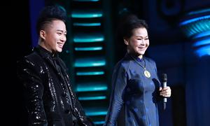 Khánh Ly: 'Tùng Dương đã ép mình xuống để nâng tôi lên'