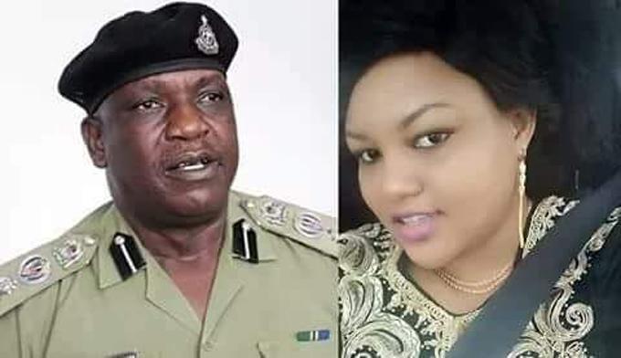 Darius Makambako (50 tuổi) và vợ Precious (45 tuổi) ở Tazania.