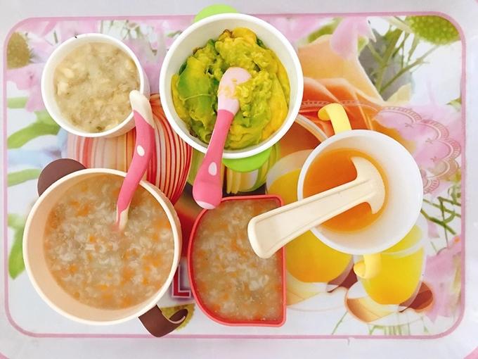 Bữa ăn Trà Ngọc Hằng chuẩn bị cho con gái 10 tháng tuổi.