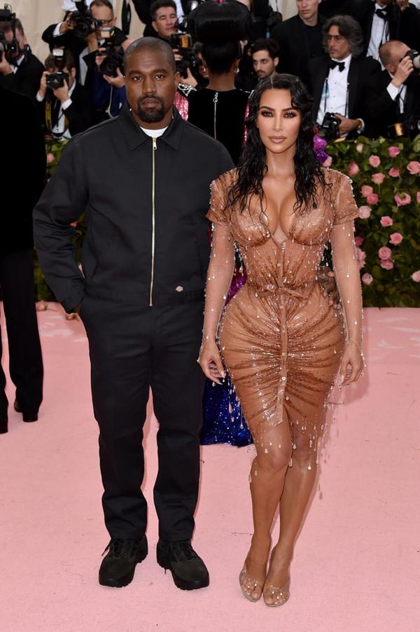 Kim đến cùng ông xã Kanye West.