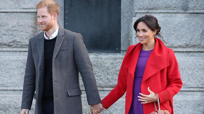 Vợ chồng Hoàng tử Harry chính thức lên chức bố mẹ từ ngày 6/5. Ảnh: IndiaToday.