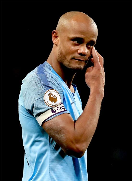 Thủ quân Man City rưng rưng khi ghi bàn thắng duy nhất của trận đấu.