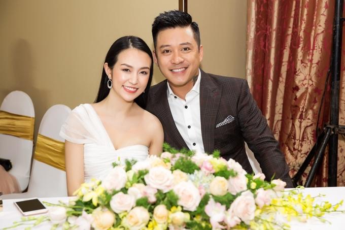 Tuấn Hưng tháp tùng Hương Baby đi sự kiện khi cô mang bầu lần ba.