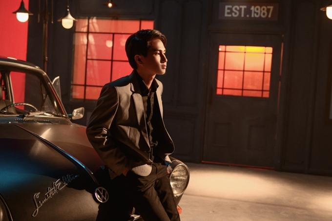 Ca sĩ Nguyễn Trọng Tài vừa ra mắt MV mới Ngừng mơ tối 7/5. Anh từng được đông đảo khán giả biết đến với ca khúc HongKong1 vào giữa năm 2018 với