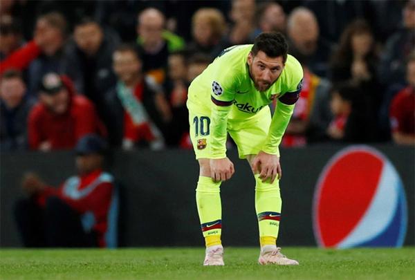 Trở lại với diễn biến trận đấu, Messi bị các hậu vệ The Kop theo sát, kèm chặt, không thể tỏa sáng như ở bán kết lượt đi. Tiền đạo người Argentina bất lực khi không thể xuyên thủng mành lưới thủ thành Alisson. Cú đúp của Messi ở lượt đi trở nên vô nghĩa sau trận lượt về thảm bại 0-4.