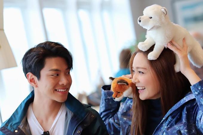 Sau khi vào nghề, Thang Lạc Văn công khai duy nhất mối tình với La Thiên Vũ - diễn viên cùng trực thuộc TVB. Chia tay sau 4 năm hẹn hò, họ vẫn là bạn bè và gần đây cùng dẫn chung show du lịch 3 ngày 2 đêm.