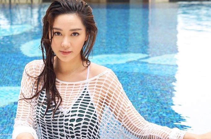 Khi Bằng chứng thép được thông báo quay lại 1/3 phim, Thang Lạc Văn là một trong những cái tên được dự đoán thay thế Hoàng Tâm Dĩnh, bởi họ xuất phát điểm giống nhau, cô lại sở hữu nhan sắc nổi bật và đời tư trong sạch. Nữ diễn viên hiện bắt đầu trao đổi kịch bản với đoàn phim, cô được giám đốc sản xuất Mai Tiểu Thanh yêu cầu giảm gần 5kg để vào vai cô phóng viên thời sự. Trong phim, cô và Trịnh Hy Di sẽ tranh giànhtình yêu với Huỳnh Hạo Nhiên.