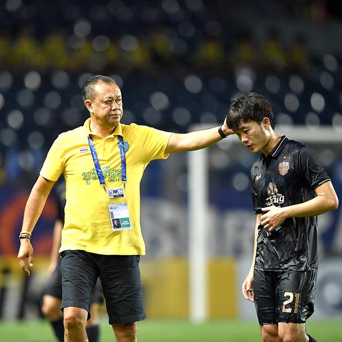 Xuân Trường không thể giúp Buriram United tránh được thất bại trướcUrawa Red Diamonds khi vào sân từ ghế dự bị. Ảnh: BU.
