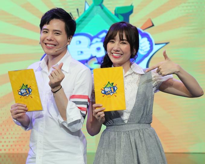 Trịnh Thăng Bình và Hari Won đảm nhận vai trò MC chương trình Bố là số 1.