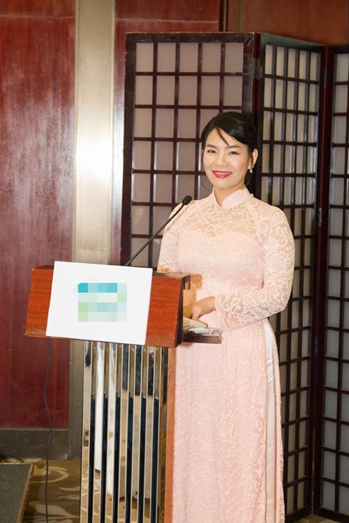 Chị Mỹ Ngọc (Miikochan) từng du học Nhật 5 năm;là phiên dịch viên, người sáng lập và giảng dạy trung tâm Nhật Ngữ ở TP HCM.