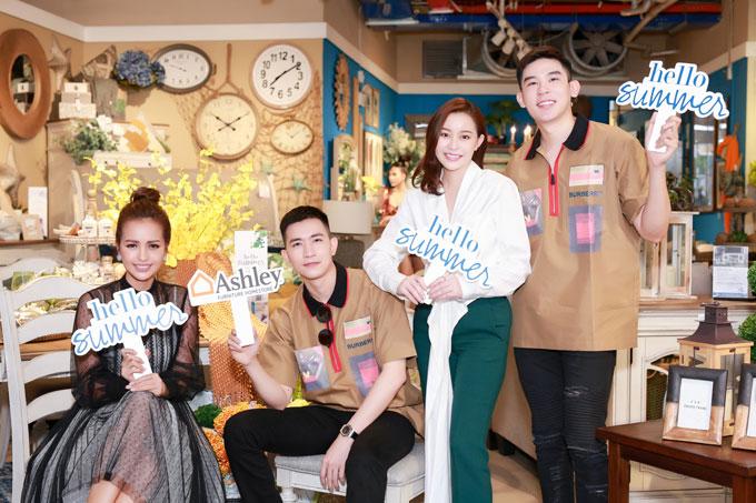Cựu quán quân Vietnams Next Top Model vui vẻ chụp ảnh lưu niệm với Hoa hậu/doanh nhân Hải Dương - CEO tài sắc của HD Group và hai trai đẹp Võ Cảnh - Minh Trung.