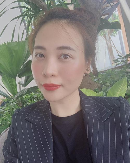 Bạn không biết hết về tôi, bạn chỉ biết những gì tôi cho bạn biết, Đàm Thu Trang chia sẻ.