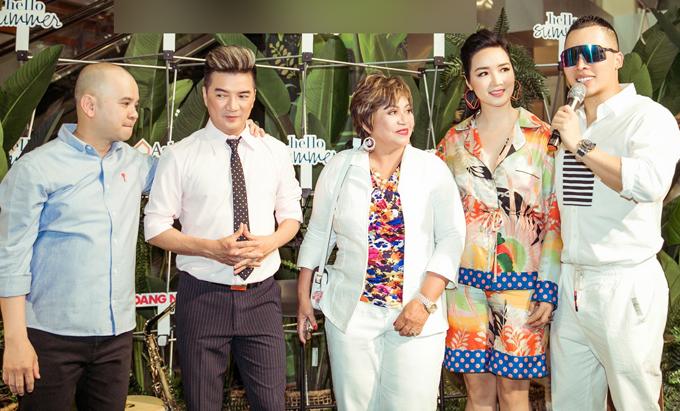 Mr Đàm, Hoa hậu Giáng My và ông bầu Vũ Khắc Tiệp cũng có mặt trong sự kiện này.