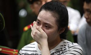 Ngọc 'Miu' khóc nức nở khi bị đề nghị 20 năm tù
