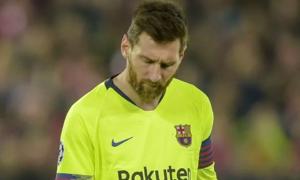 Messi 'khóc trong phòng thay đồ' sau thảm bại trước Liverpool