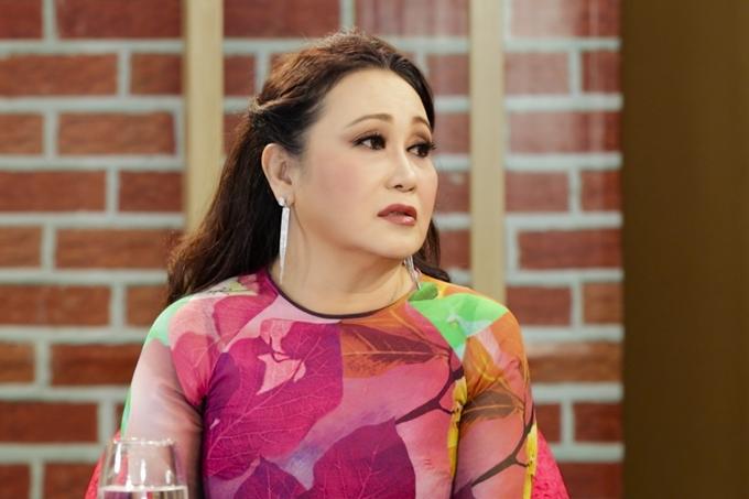 Nghệ sĩ Thanh Hằng trong chương trình Chuyện của sao.