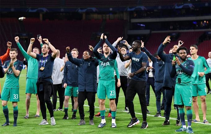... và Tottenham Spurs tạo nên chung kết Champions League toàn Anh sau hai trận bán kết lượt về không tưởng