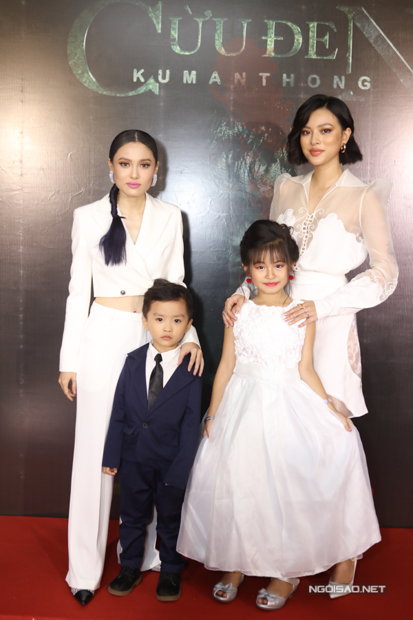 Bé Shin (trái) và bé Bảo Xuyên (phải) được khen ngợi về khả năng diễn xuất trong phim.