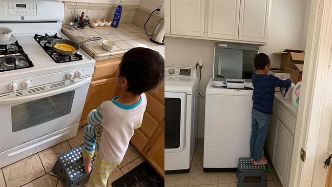 Jacky tự biết chiên trứng và giặt quần áo giúp mẹ.