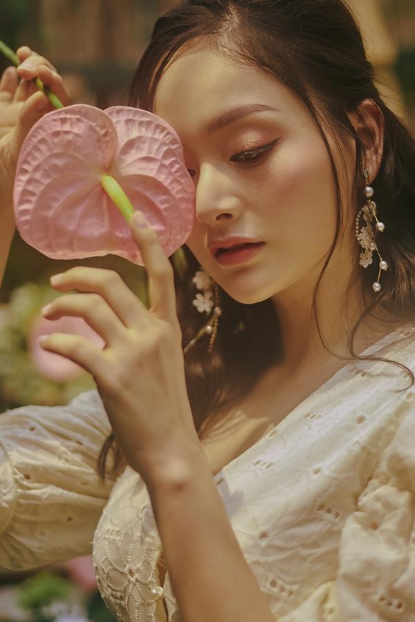 Cuối năm 2018, Lan Phương được báo Ngoisao.net vinh danh ở hạng mục Ngôi sao điện ảnh với vai diễn trong phim Cả một đời ân oán.