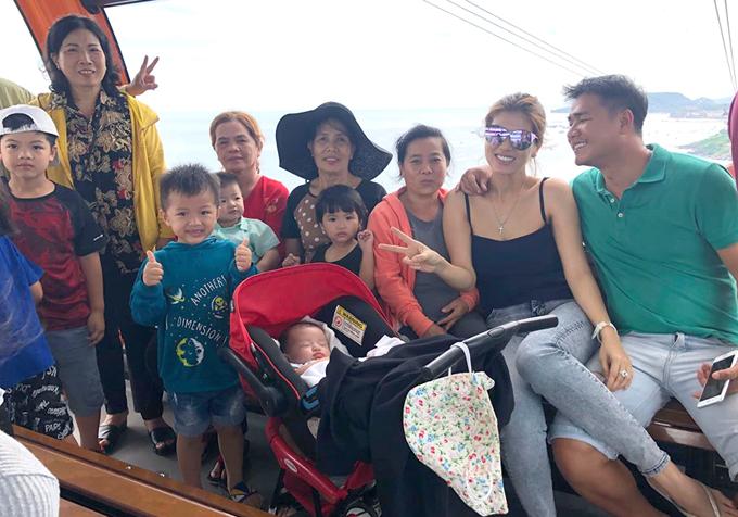 Gia đình đông con của người đẹp vừa có chuyến du lịch Phú Quốc dịp nghỉ lễ 30/4, 1/5.