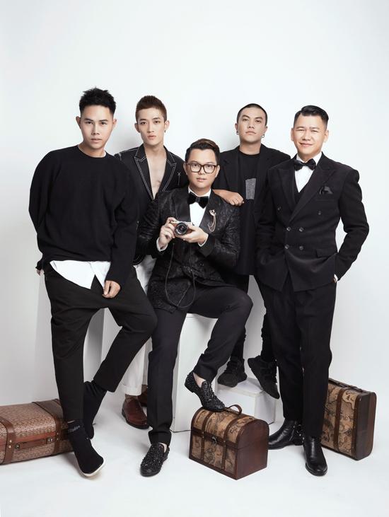 Đạo diễn Long Kan (giữa) và các nhà thiết kế sẽ góp mặt tại Fashion Voyage mùa hai tổ chức ở vinh Hạ Long.