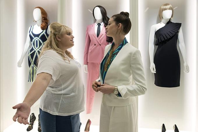 Thời trang và không gian sống của nhân vật Josephine do Anne Hathaway thể hiện là hai yếu tố được chăm chút kỹ lưỡng của phim, mang đến hình ảnh đẹp đẽ,tạo điểm nhấn cho vai diễn và nêu bật sự đối lập giữa hai cô gái.
