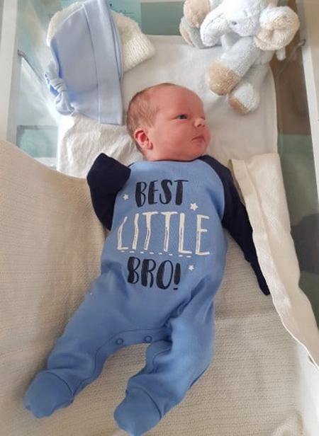 Bé Archie nặng 3,7 kg, chào đời trước em bé nhà Harry - Meghan hơn 3 tiếng. Ảnh: SWNS.