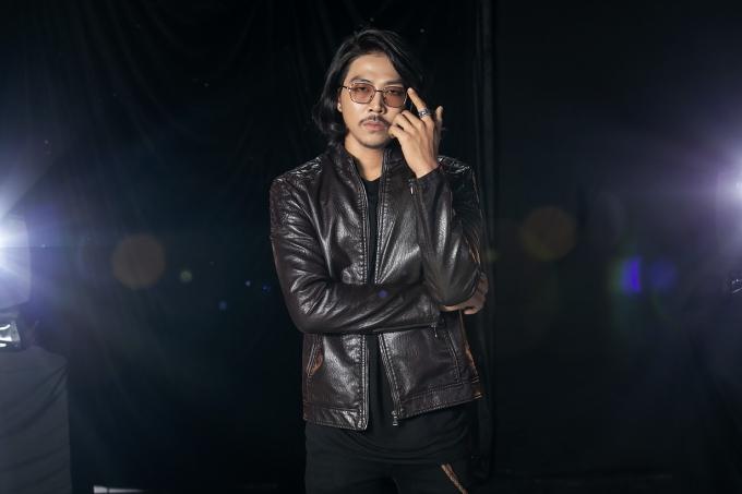 Quang Sơn là gương mặt quen thuộc của nhiều web drama hiện nay. Trong tập 1, anh sẽ biểu diễn ca khúc Sắc màu.