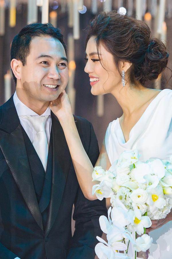 Vợ chồng Tuấn John - Lan Khuê.