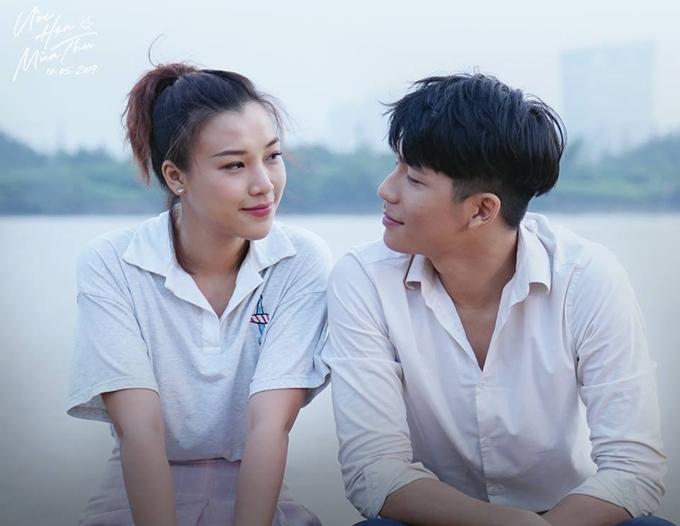 Hoàng Oanh đóng cặp hot boy kém 8 tuổi Quốc Anh trong phim Ước hẹn mùa thu.