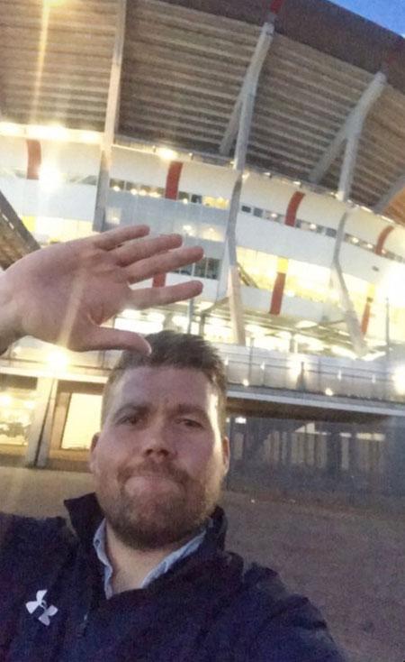 Fan Tottenham ra về khi Ajax đang dẫn 2-0 mà không biết rằng đội nhà lội ngược dòng ngoạn mục ở hiệp hai để giành vé vào chung kết Champions League.