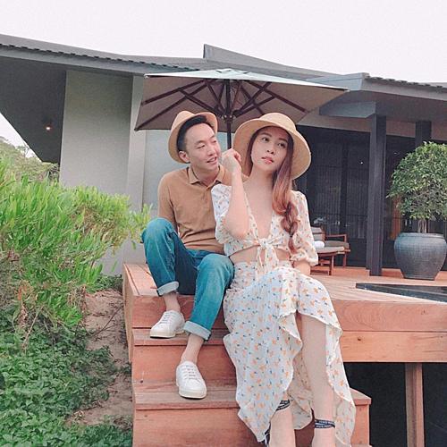 Đàm Thu Trang khoe nhẫn cưới trước ngày theo Cường Đôla về dinh - 1