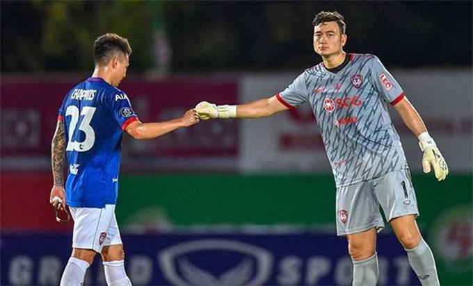 Đội bóng của Văn Lâm chưa thoát khỏi khủng hoảng khi không có được chiến thắng nào trong 6 trận liên tiếp ở Thai League 2019.