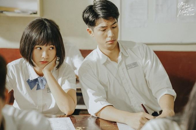 Hoàng Oanh và Quốc Anh vào vai tình đầu của nhau thời trung học.