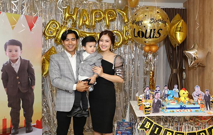 Ngọc Lan và Thanh Bình trong tiệc sinh nhật hai tuổi của con trai.