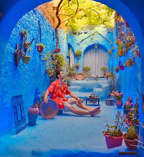 NTK Lý Quí Khánh check in ở thành phố xanh nổi tiếngở Morocco.
