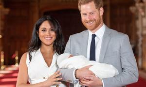 Harry và Meghan không được toàn quyền chăm sóc con trai Archie