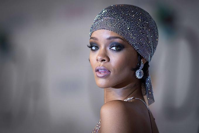 Rihanna tại lễ trao giải của Hội đồng Nhà thiết kế thời trang Mỹ 2014. Ảnh:Reuters.
