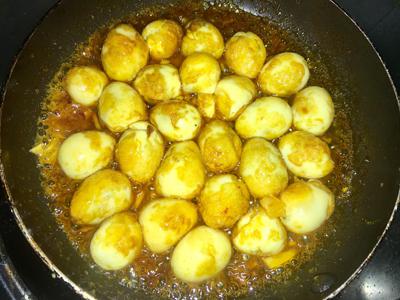 Trứng cút xào bơ tỏi - 4
