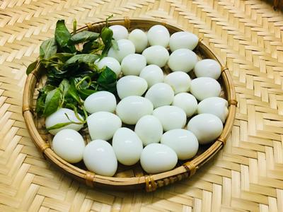 Trứng cút xào bơ tỏi - 1