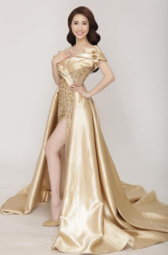 Á hậu Ngọc Vân khoe nhan sắc rạng rỡ cùng vương miện 1 tỷ đồng sau đăng quang - 4