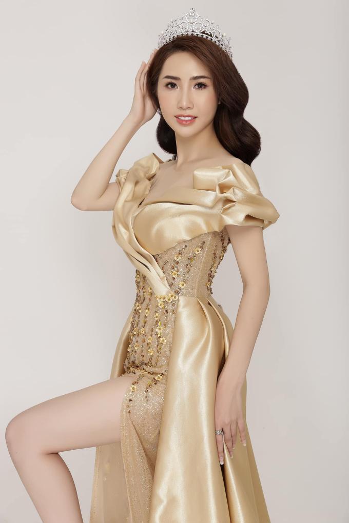 Á hậu Ngọc Vân khoe nhan sắc rạng rỡ cùng vương miện 1 tỷ đồng sau đăng quang - 5