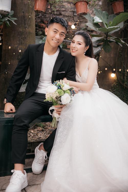 Việc trao đổi ý tưởng chụp hình cưới, lên lịchmất khoảng 2 tháng vì Nam còn bận thi đấu.