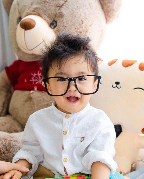 Bé Nanda - con trai Nguyệt Ánh.