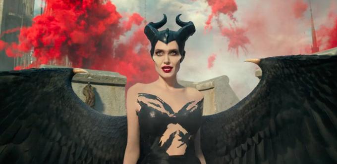 Tạo hình mới của Angelina trong vai Maleficent