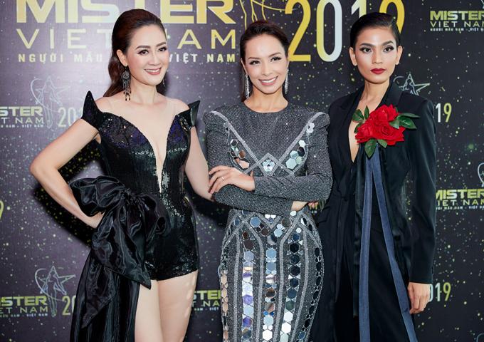 Hoa hậu Đàm Lưu Ly mặc hở táo bạo ở tuổi 46 - 3